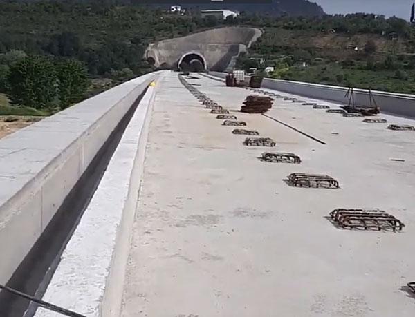 5.-yazi-icin-bursa-treni-tunel-ve-viyaduk-calismasi.png