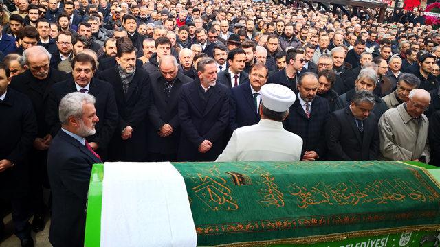 6.-yazi-icin-ibrahim-burkay-kardesi-cenazesi.jpg