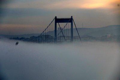 istanbulda-deniz-ulasimina-sis-engeli-devam-ediyor-_5915_dhaphoto1.jpg