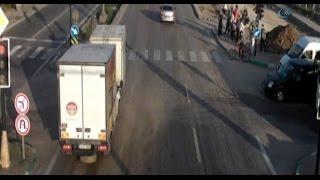 Bursa MOBESE'lerine yansıyan trafik kazaları