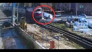 Tren otomobili biçti