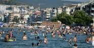 Sıcaktan bunalan Bursalılar denize koştu