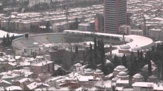 Kar Bursa'yı beyaza bürüdü