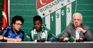 Bursaspor'da Agu resmen imzayı attı