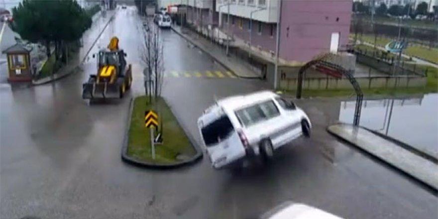 Bu görüntüler trafik kurallarına uymanın önemini gösterdi