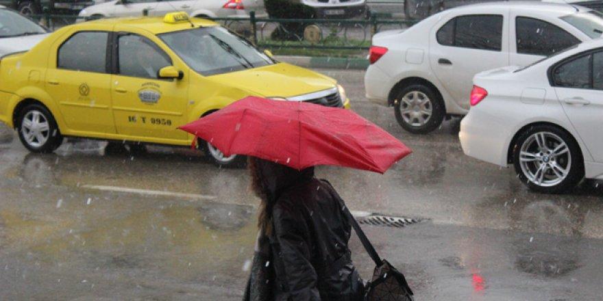 Bursa'da sabah lodos, akşam yağmur