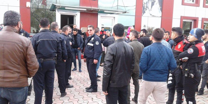 Bursa'da düğünde kız kavgası