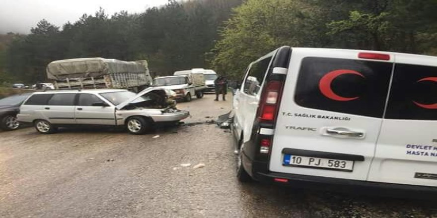 Hasta nakil aracı kaza yaptı: 3 yaralı