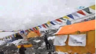 Everest'teki çığ faciası kamerada!