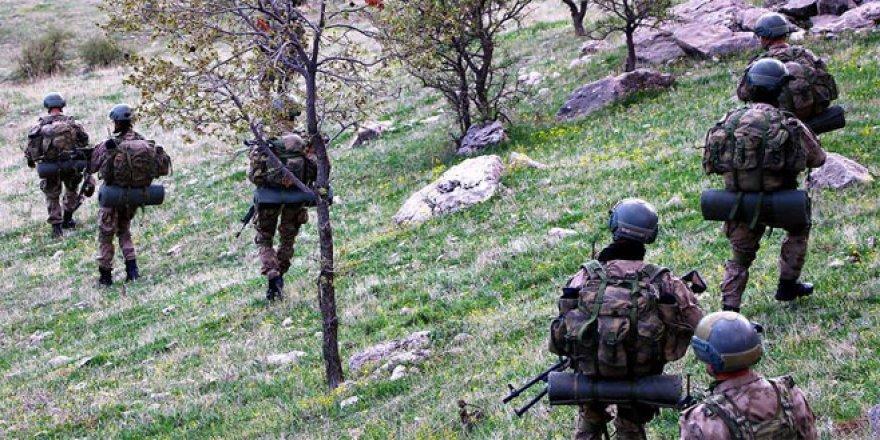 Kahraman komandolar dağları teröristlere dar ediyor