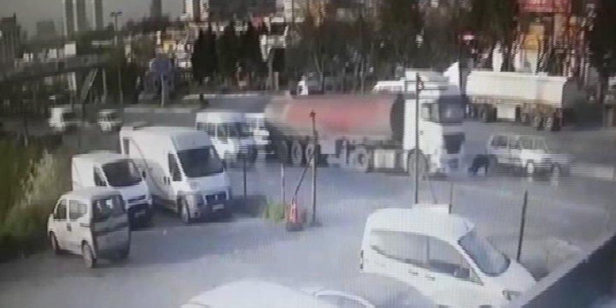 Tanker kaydı, cadde savaş alanına döndü
