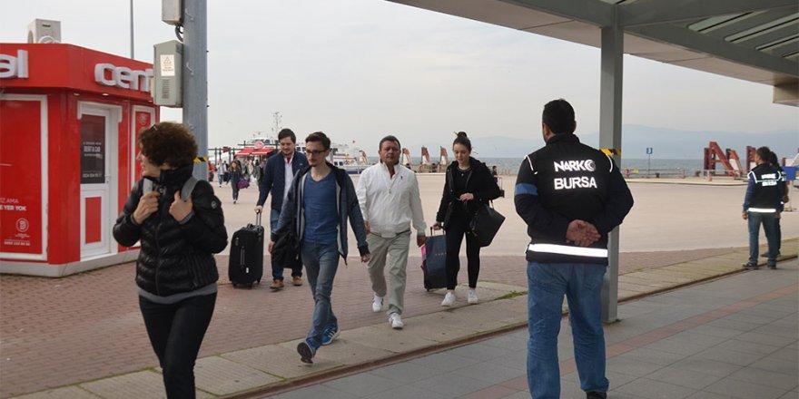 İstanbul'dan Bursa'ya gelen deniz otobüslerinde arama...