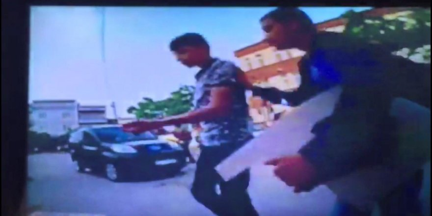 Ortaokul öğrencilerinin bıçaklı omuz atma kavgası