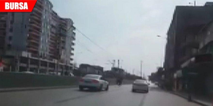 Başıboş at trafiği tehlikeye soktu