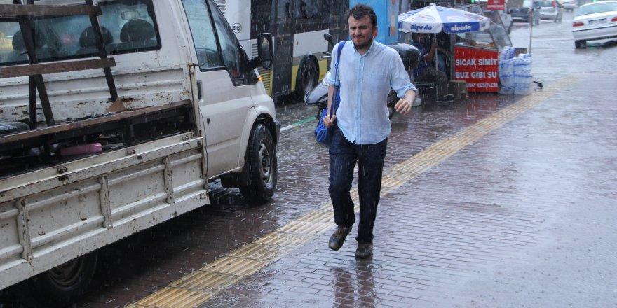 Bursalılar yaz yağmuruyla serinledi