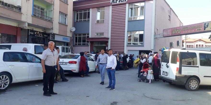 Düğünde biber gazı dehşeti: 25 kişi hastaneye kaldırıldı