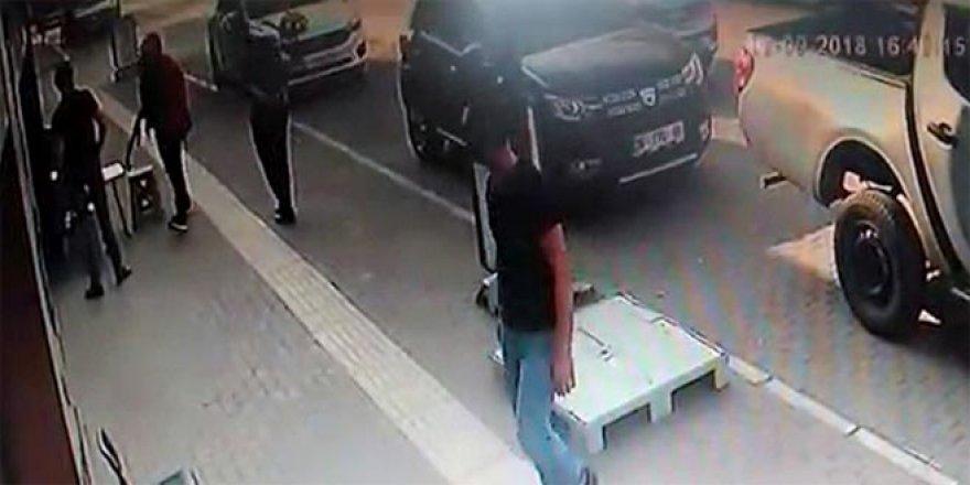 Kalaşnikoflu soygun girişimi