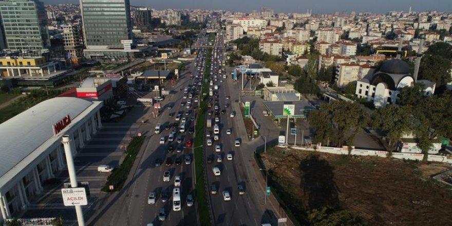 Okulların açıldığı ilk gün Bursa trafiği havadan görüntülendi