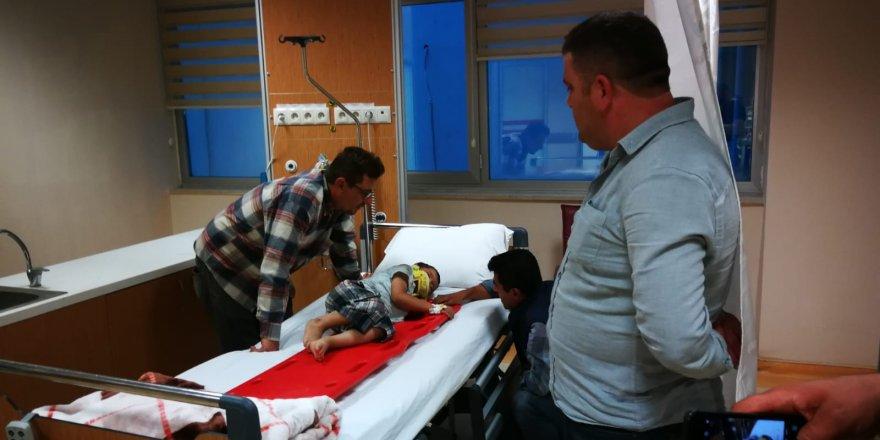 5 yaşındaki çocuk motosikletin altında kaldı, sürücü kaçtı