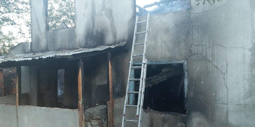 Hayvansever kadın yangında hayatını kaybetti