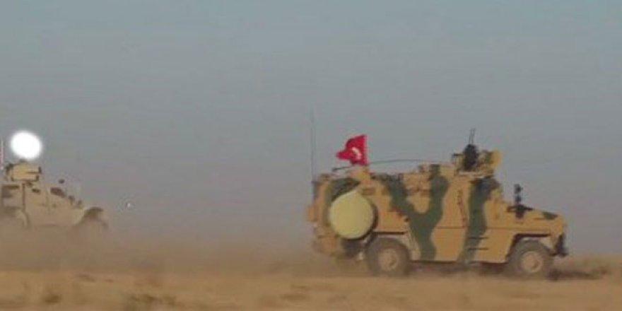 Türk ve ABD askerlerinin Münbiç'teki ortak devriyesinden ilk görüntü