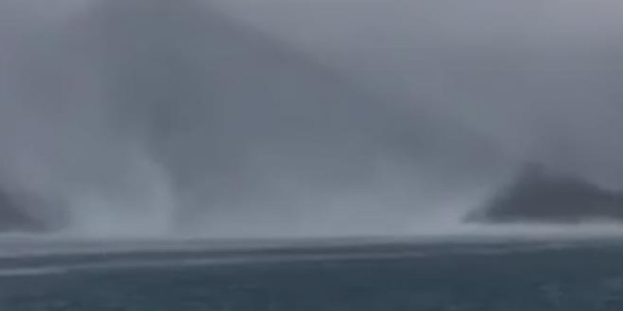 Marmaris'teki hortum koca tekneyi böyle devirdi
