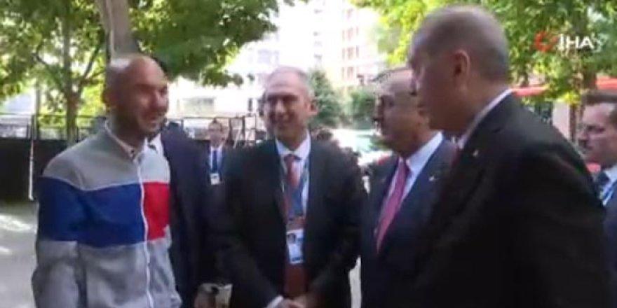 Erdoğan'dan Arjantin'de Türk gence sürpriz davet!