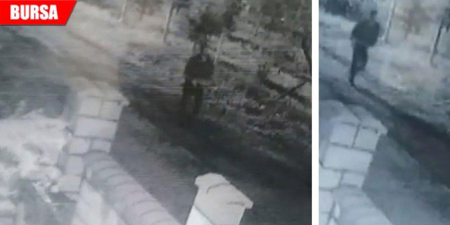 İnşaat malzemesi hırsızları güvenlik kamerasına yakalandı