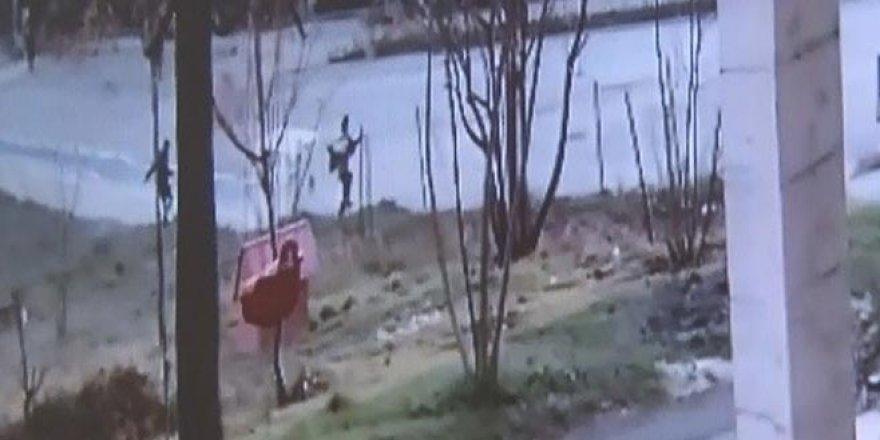 Köpek kovalayınca 2 metre yükseklikten atladı