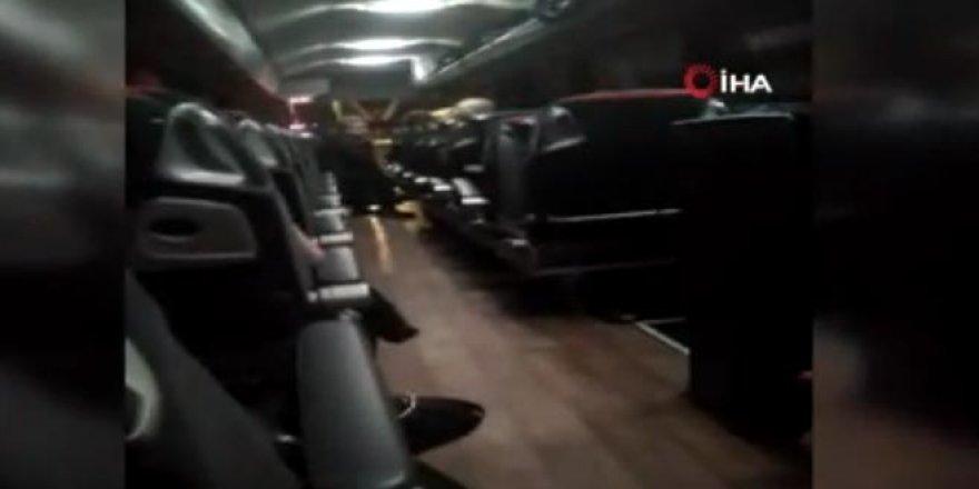 Yolcu otobüsünde dehşet! Muavin ve şoförü rehin aldı...