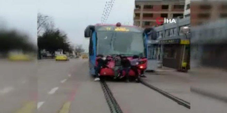 Bursa'da tehlikeli yolculuk!
