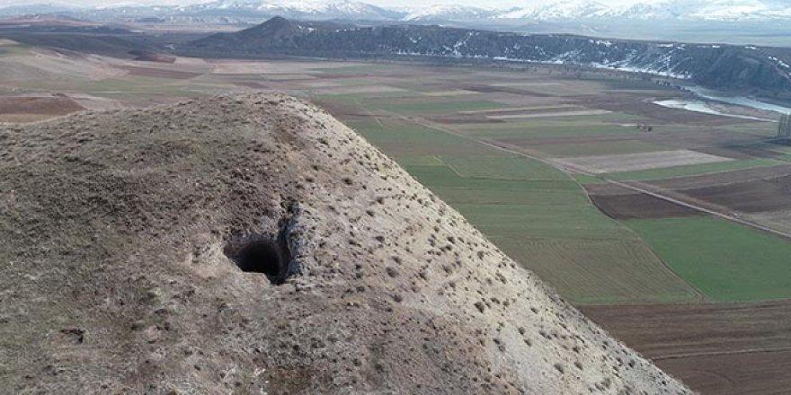 Sivas'ta gizli tüneldeki kazı youtuber tarafından görüntülendi