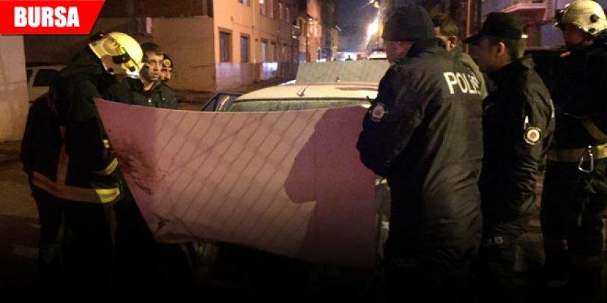 Önce kaza yaptı sonra aracı yandı