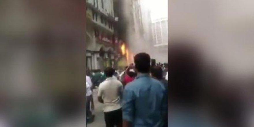19 katlı binada yangın: Çok sayıda kişi mahsur kaldı