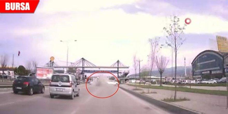Trafikte 'Makas' terörü kameraya böyle yansıdı