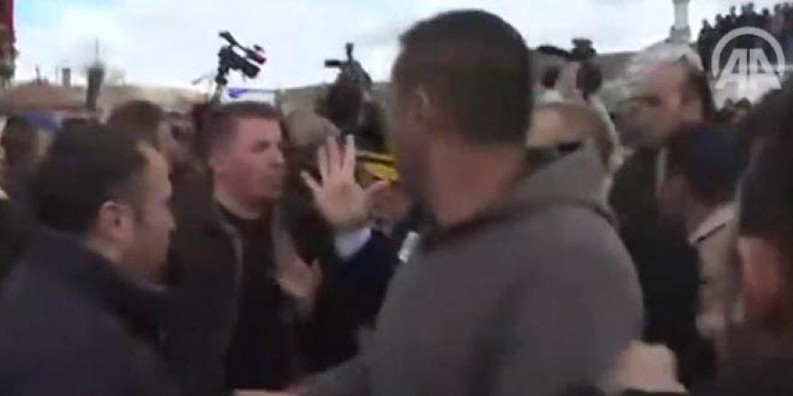 Kılıçdaroğlu'na şehit cenazesinde saldırı anı kamerada