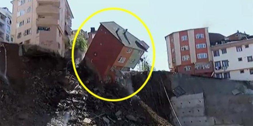 Büyük panik! 4 katlı bina, canlı yayında çöktü