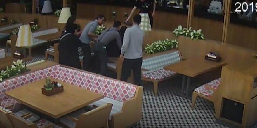 Restoranda panik anları! Garson hemen yanına koştu