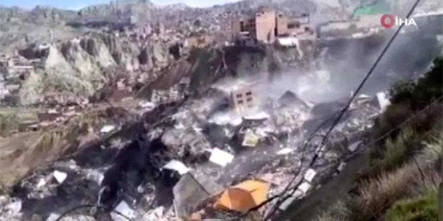 17 bina art arda yıkıldı!