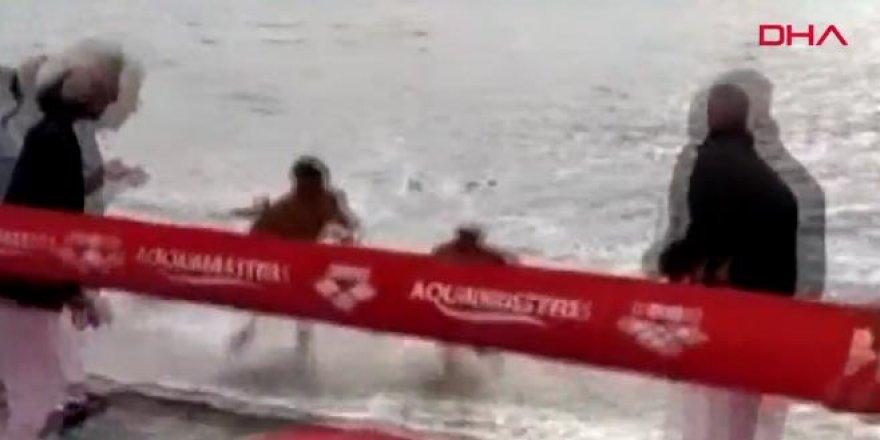 Yüzme yarışında skandal