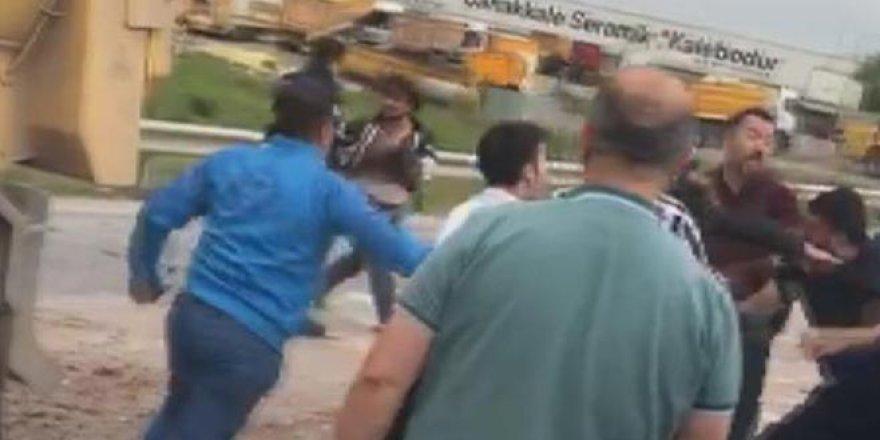 Kaza kavgaya dönüştü: Polis havaya ateş açarak ayırdı