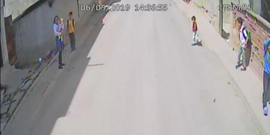 Kahreden kaza kamerada! İşte küçük Yasin'in son anları...