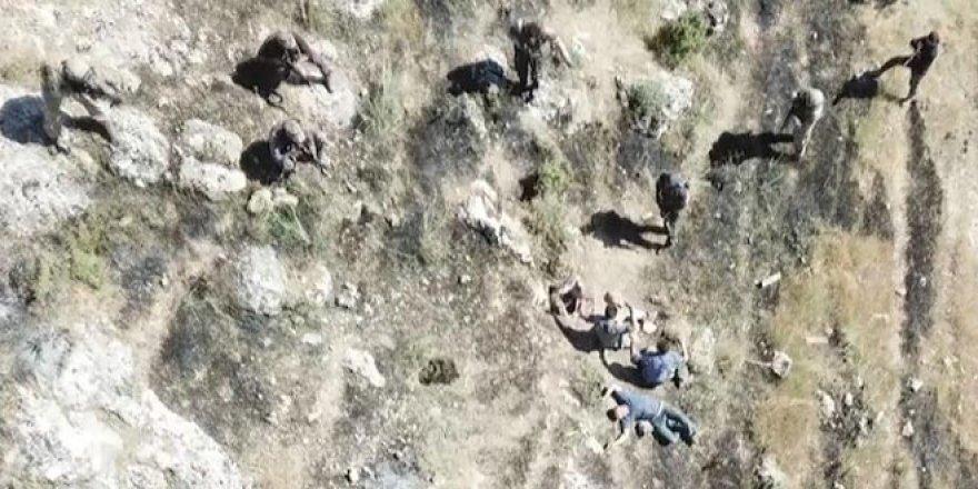 PKK'lı 4 terörist böyle teslim oldu