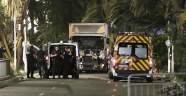 Fransa'da kamyon kalabalığa daldı: 80 ölü, en az 100 yaralı