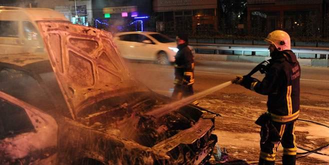 Bursa'da hareket halindeki araç bir anda alev aldı!