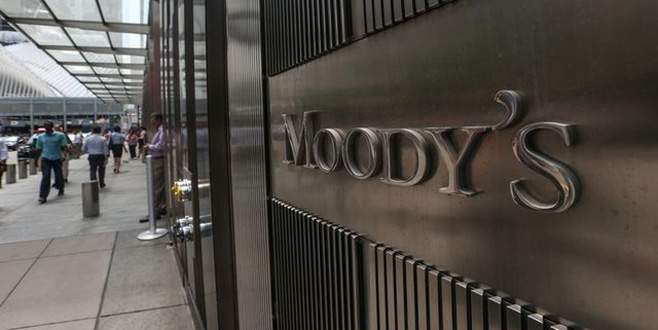 Moody's görünümü 'negatif'e çevirdi