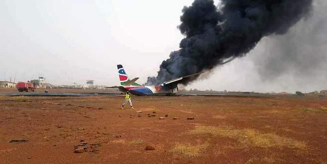Güney Sudan'da yolcu uçağı düştü