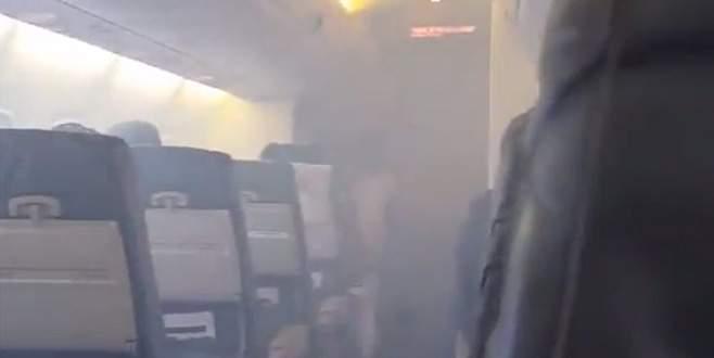 İçi dumanla dolan uçak acil iniş yaptı
