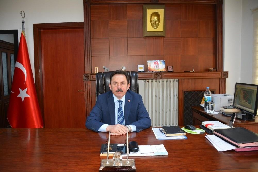 Eskioğlu, 23 Nisan'ı kutladı
