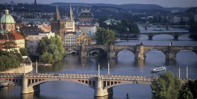 Prag'da bahar başka